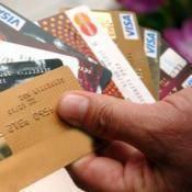 Alışverişi kredi kartıyla yapıyoruz