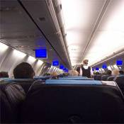 Uçakta kurallara uymayan yolcuya para cezası