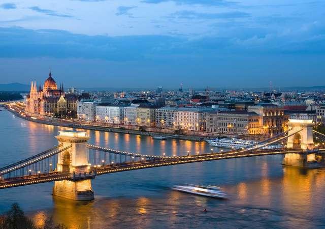 Köprüler ve ışıklar şehri Budapeşte