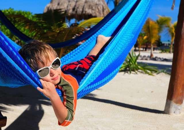 Çocuklarla seyahat ederken hayat kurtaran 10 öneri