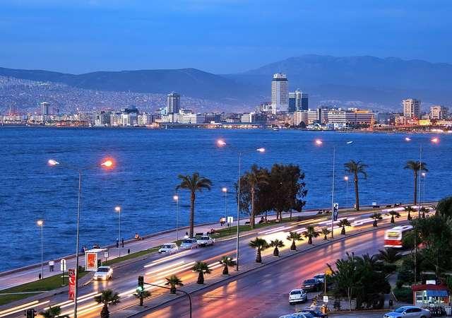 SunExpress İzmir ve Antalya'yı Avrupa'ya uçuruyor