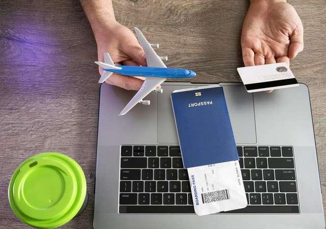 Pasaportu da cep telefonuna sığdırdık!