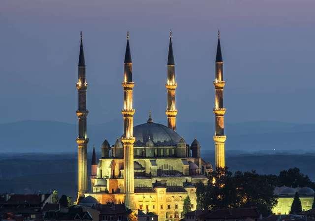 İstanbul'daki camilerin hikayeleri