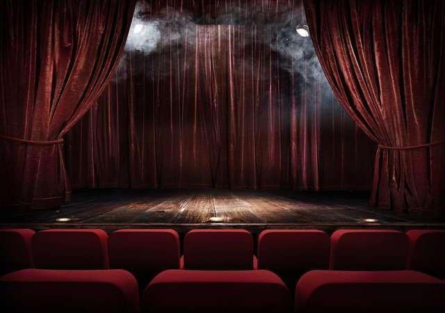 Tiyatro oyunlarıyla nereye gidebilirsin?