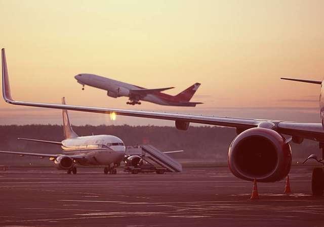 Uçaklar geri geri gidebilir mi?