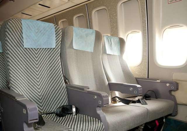 Uçakta orta koltuktan kurtulmak için 5 öneri