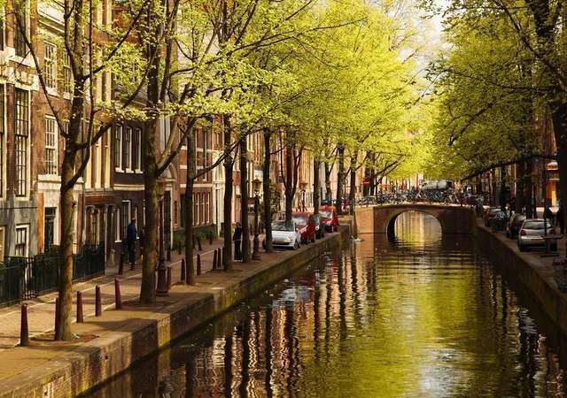 Amsterdam'da mutlaka yapmanız gereken 10 şey