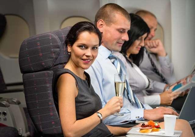 Uçak yolculuğunda bedava alabileceğiniz 9 şey