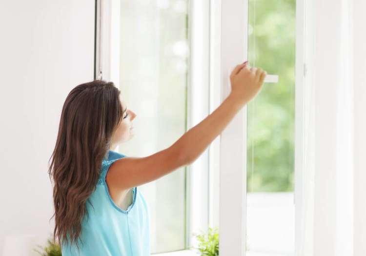 Evin havalandırmasını günün en sıcak saatleri olan öğle saatlerinde yapın