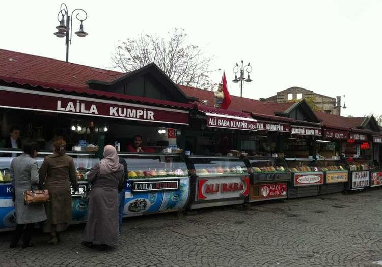 Ortaköy'de kumpir / waffle yemek