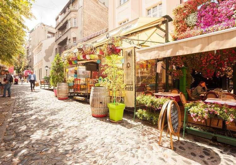 Skardarlija Caddesi'nde Belgrad'ın nabzını tutun
