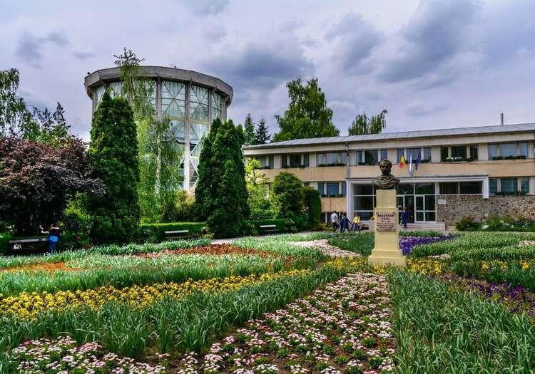 Yaş Botanik Bahçesi