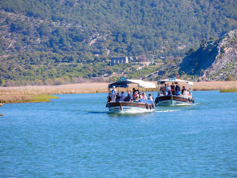 6- Manyas Gölü ve Kuş Cenneti gezintisi