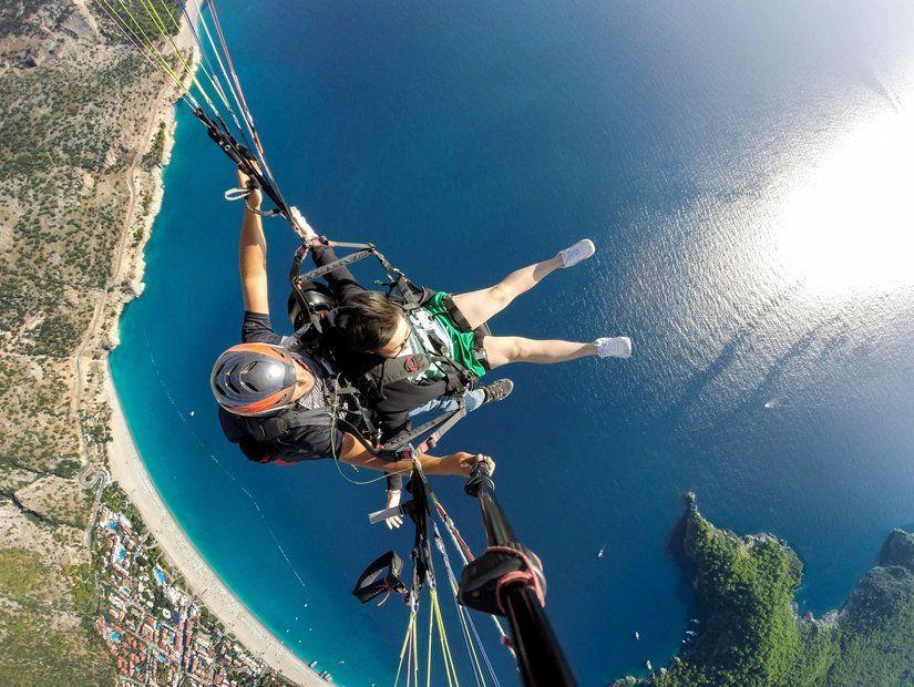 10- Ölüdeniz'de yamaç paraşütü