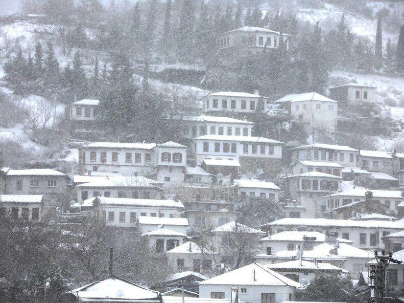 2- İzmir'e gidiş dönüş 110 TL'den itibaren