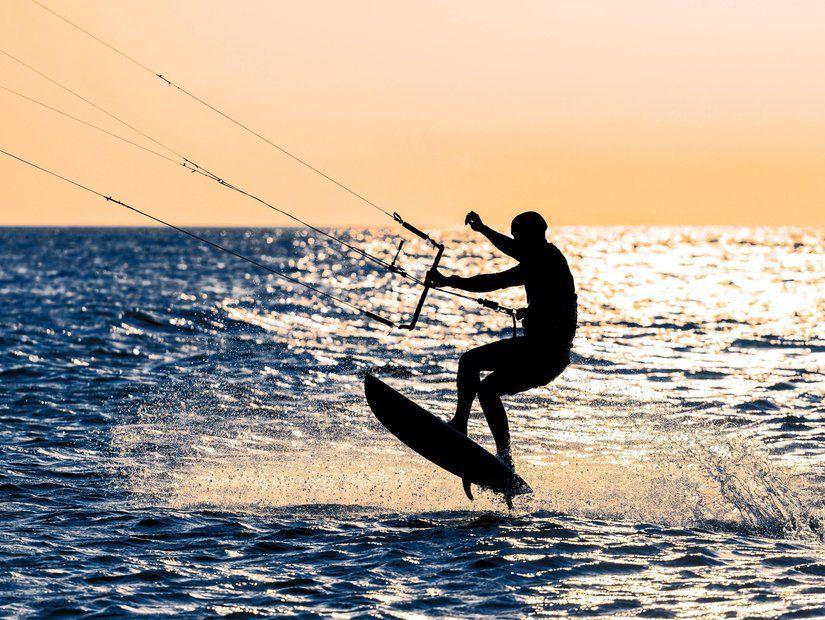 1- Alaçatı'da sörf