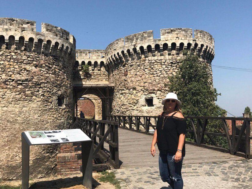 Belgrad kapısından girdim içeri