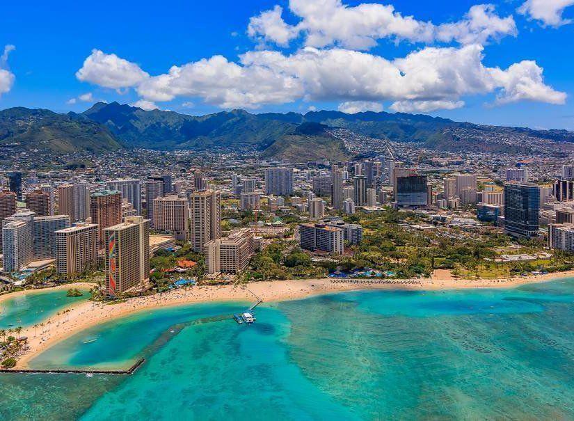 2- Waikiki Plajı – Honolulu